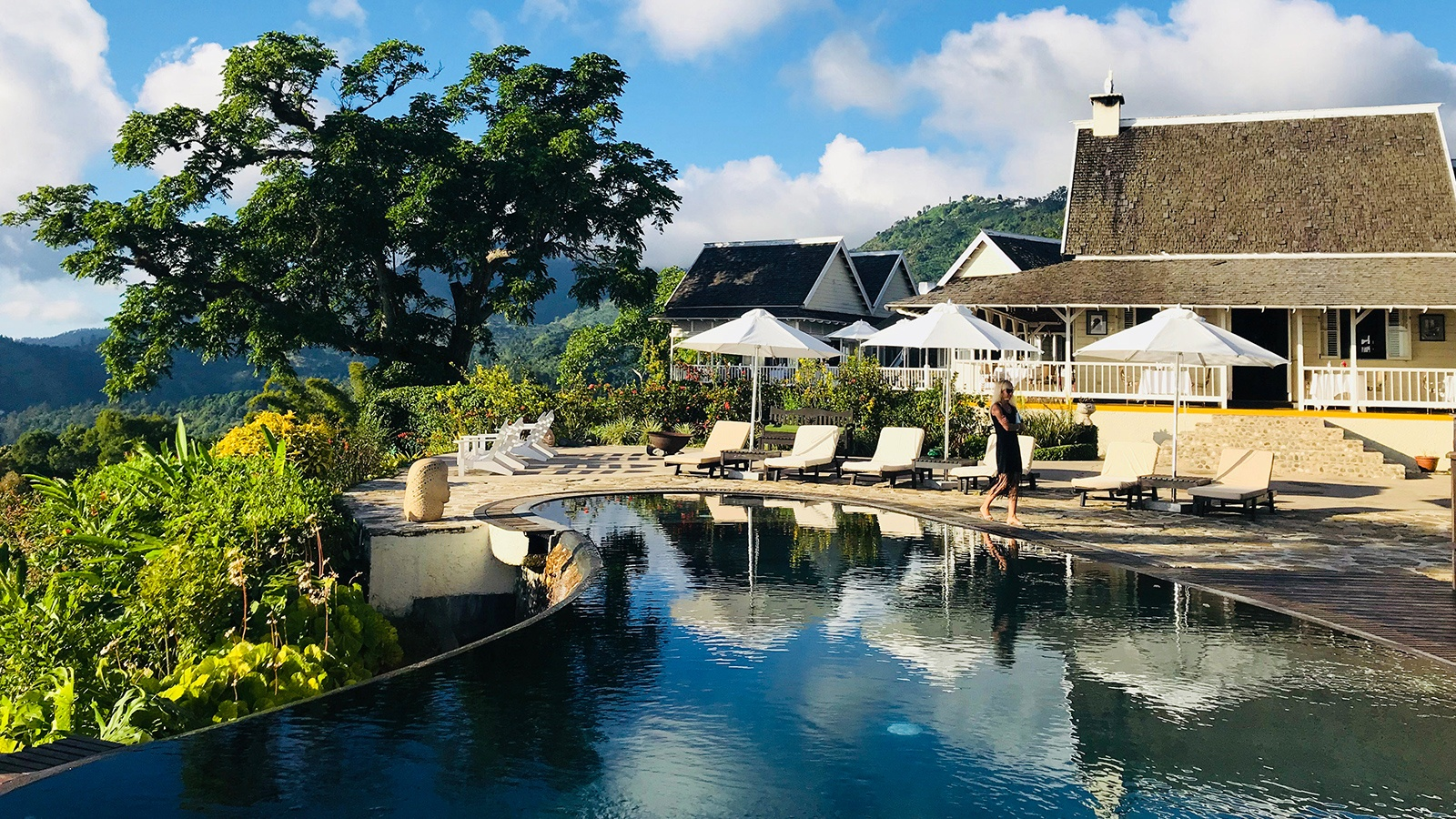 Strawberry Hill Hotel Luxury Mountaintop Retreat In The Blue